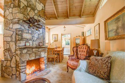 Living Room - Cottage Las Ardillas, Carmel By The Sea