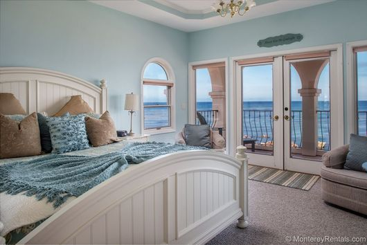 Beach house master bedrooms images for Beach house bedroom designs