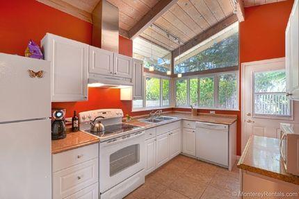 Kitchen - Ellies Place, Asilomar