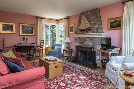 Living Room - Enchante, Carmel By The Sea